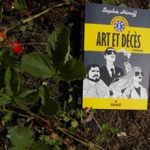 Le troisième livre de Sophie Hénaff: Art et Décès