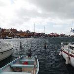 Photo de bateaux dans le port de Fjällbacka en Suède