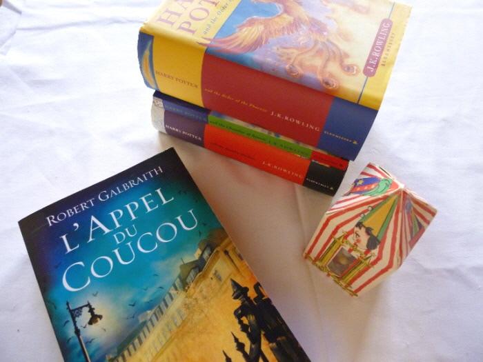 Plusieurs livres de Harry Potter, le livre de Robert Galbraith, Cormoran Strike, L'appel du coucou.