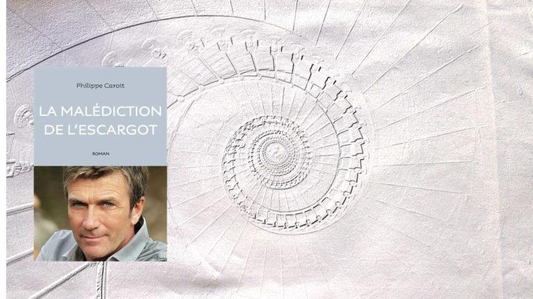 En arrière-plan, une spirale, au premier plan, le livre de Philippe Caroit, La malédiction de l'escargot