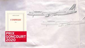 A l'arrière plan, deux avions d'Air France, au premier-plan, la couverture du livre d'Hervé Le Tellier, L'anomalie