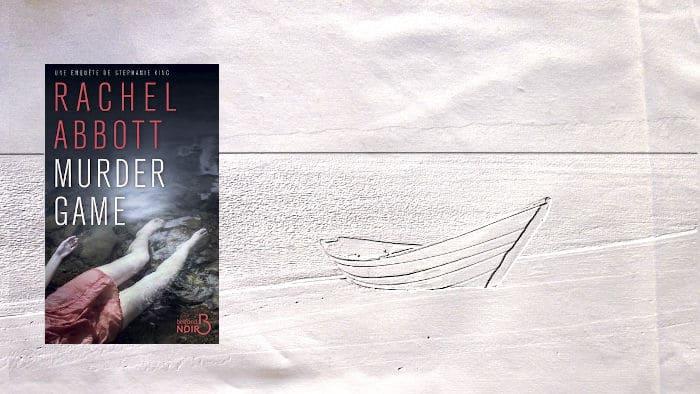 En arrière plan une plage et un bateau, au premier plan, la couverture de Rachel Abbott