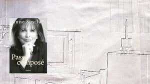 En arrière plan, un salon avec une télévision, au premier plan, la couverture du livre d'Anne Sinclair