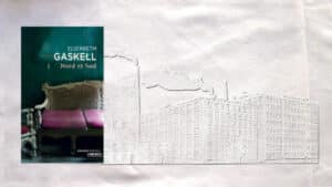 En arrière-plan, usines de filage de coton de coton (début XIXe), au premier plan, couverture du livre d'Elizabeth Caskell, Nord et Sud